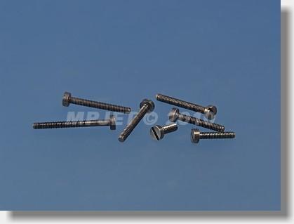 Steel Cheesehead screw M1x4